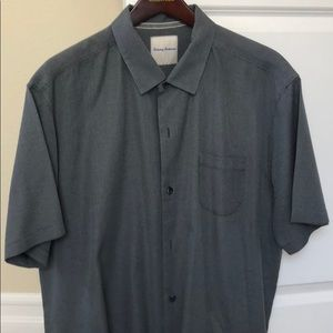 Tommy Bahama 80 % silk and 20% cotton.  Breathable